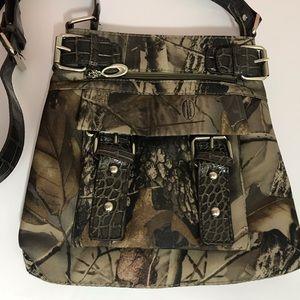 Realtree Hardwoods Crossbody Messenger Bag